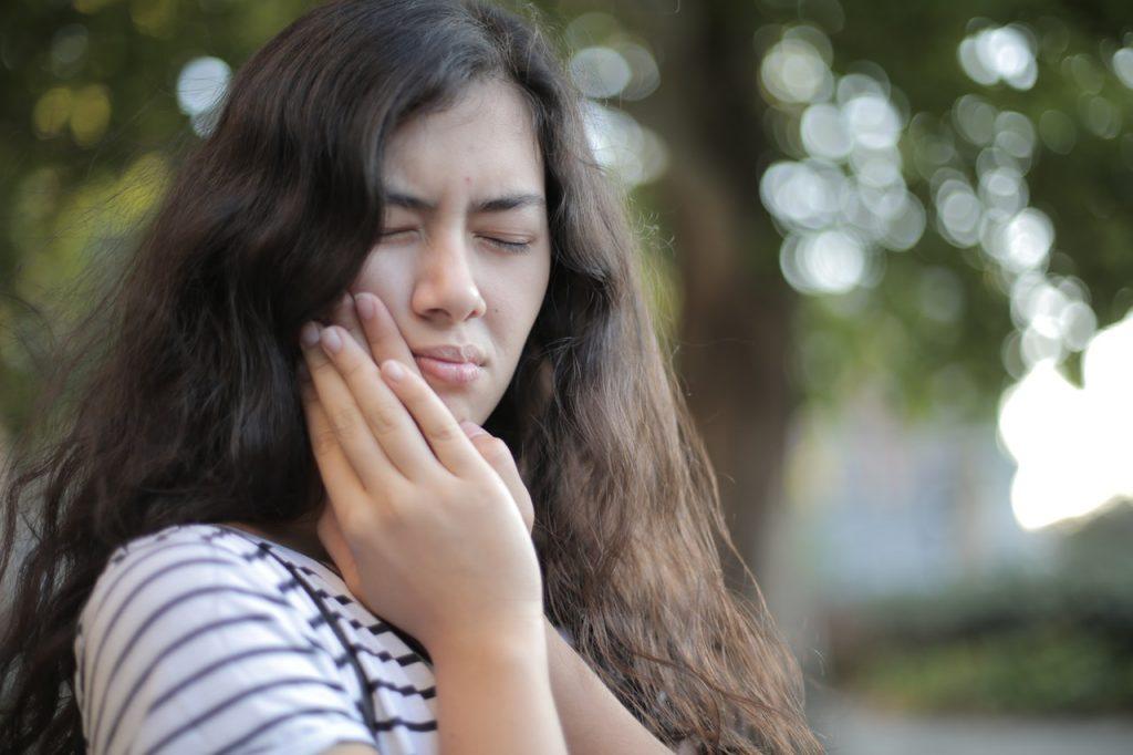 dolore causato da un dente del giudizio