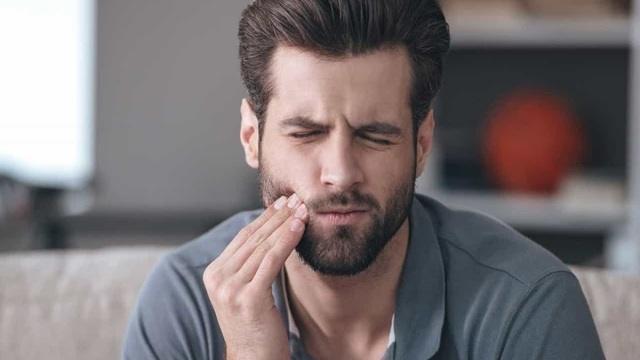Mal Di Denti (o Odontalgia): Cause, Sintomi E Rimedi