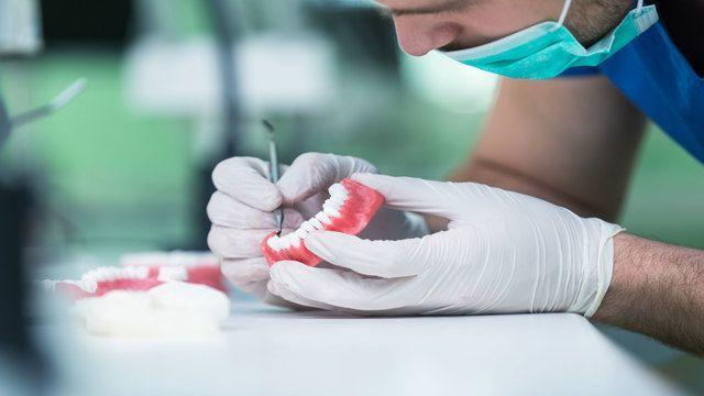 Tipologie E Classificazione Protesi Dentarie